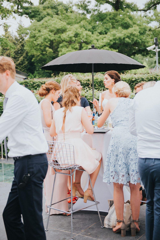 trouwfotograaf_nederland_limburg_bruiloft_boho_vintage_wedding_foodtruck_taart_bruid_bruidegom_Villa des Beaux Arts_bruidsfotograaf_Heeze_Brabant_lentebruiloft_springwedding_trouwjurk_buitenceremonie