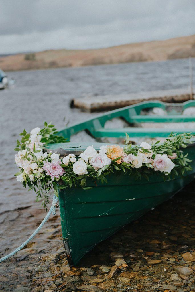 trouwfotograaf_nederland_limburg_bruiloft_boho_vintage_wedding_foodtruck_taart_bruid_bruidegom_buitenlandsebruiloft_bruidsfotograaf_Schotland_herfstbruiloft_fallwedding_trouwjurk_buitenceremonie_trouweninhetbuitenland