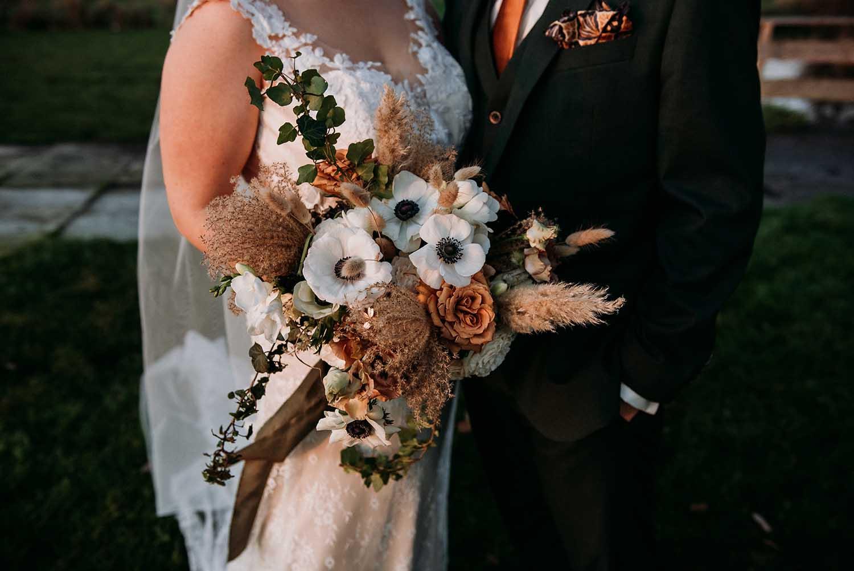 trouwfotograaf_nederland_limburg_bruiloft_boho_vintage_wedding_foodtruck_taart_bruid_bruidegom_bruidsfotograaf_Brabant_Roermond_Amsterdam_winterbruiloft_winterwedding_trouwjurk_buitenceremonie_BureauCocoon